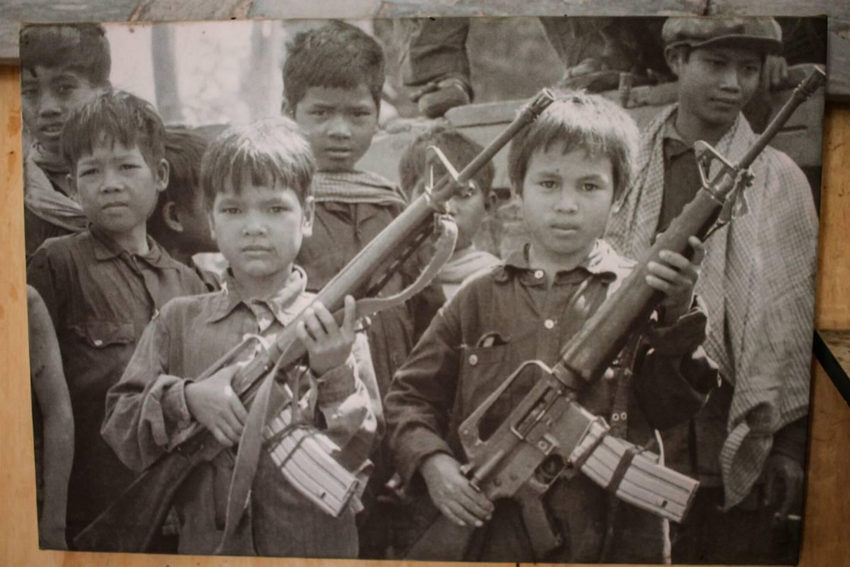 criancas-armadas-guerra-secreta-camboja