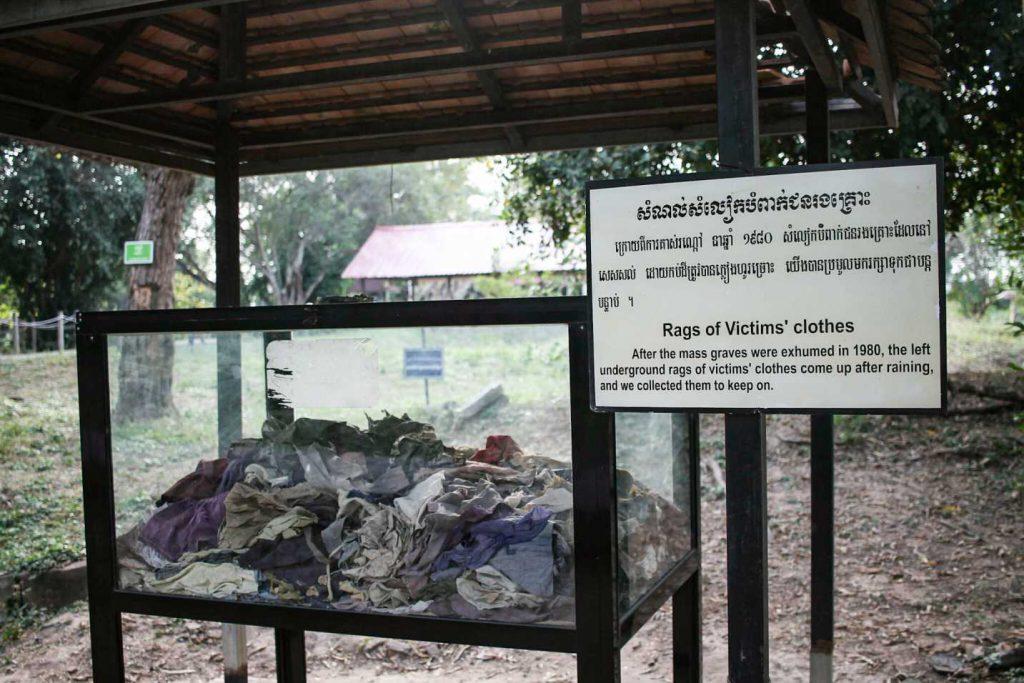roupa-campo-concetração-khmer