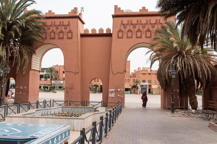 Visitar Ouarzazate e a Praça Al-Mouahidine